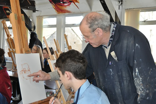 Award winning artist leads workshop for pupils
